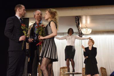 Theater: Lichter der Vorstadt
