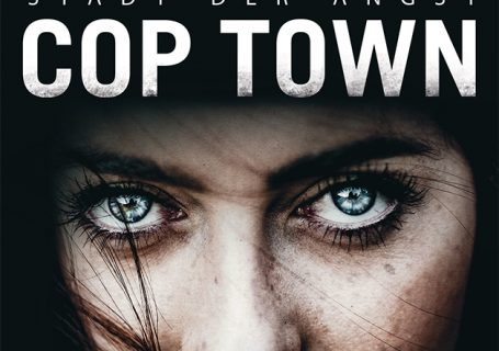 Cop Town - Karin Slaugther
