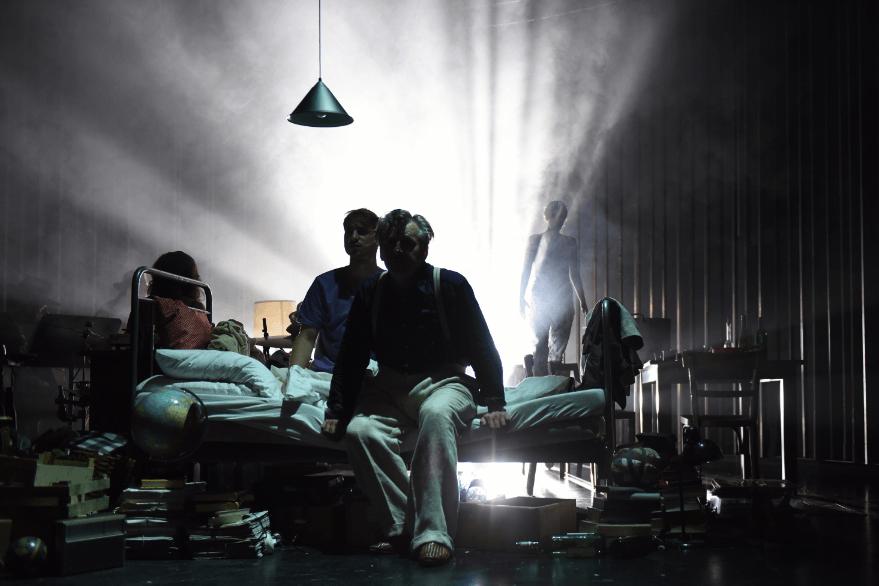 Theater: Die Welt ist groß und Rettung lauert überall