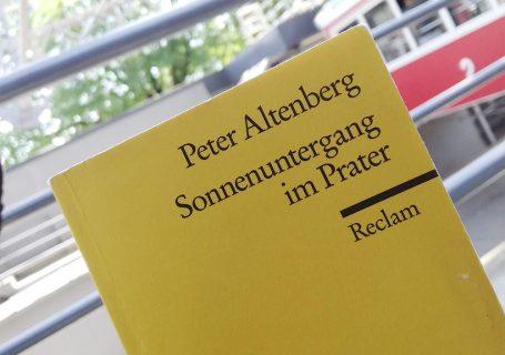 Sonnenuntergang im Prater - Peter Altenberg