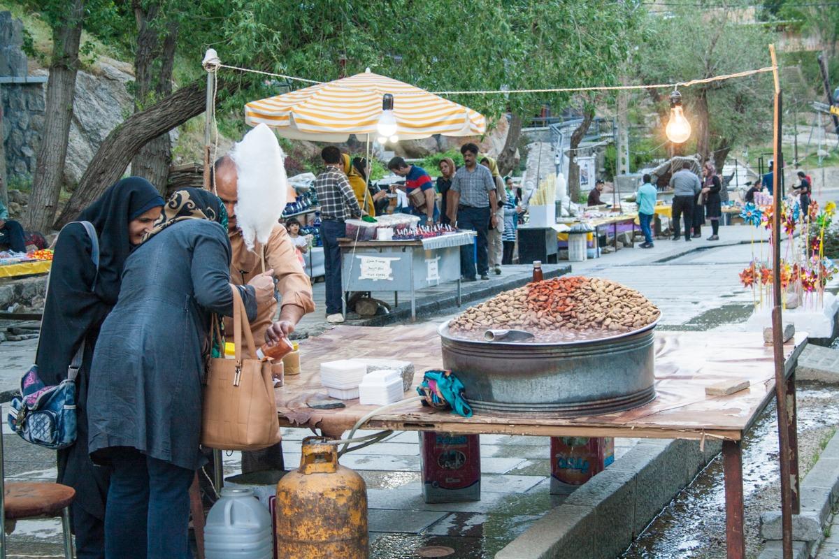 Köstliche Bohnen und Jahrmarktfeeling in Hamadan