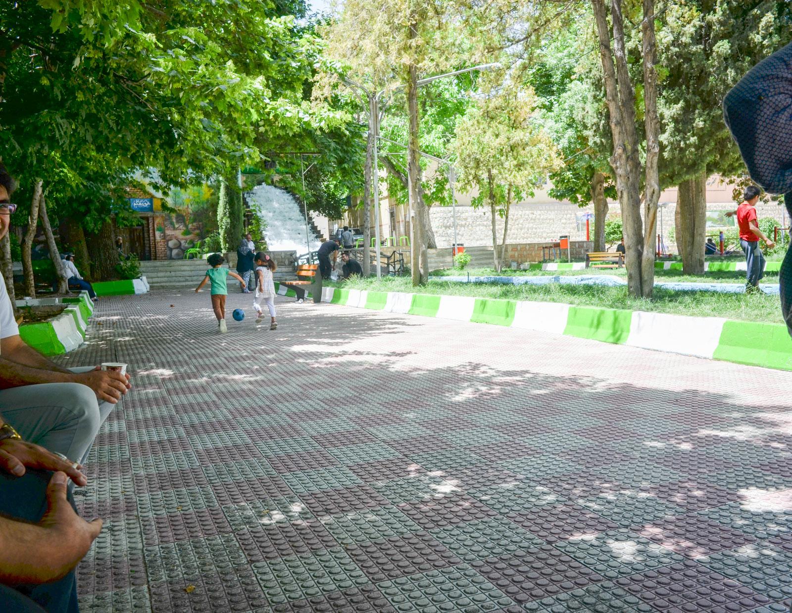 Teepause in eniem Park in Kachuyeh