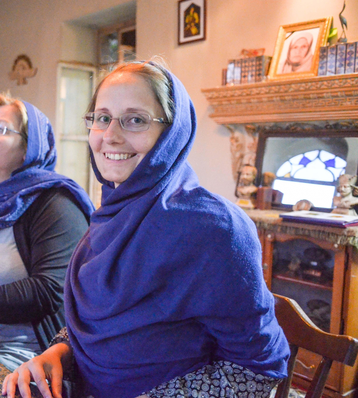 Lesefreude im Café Arg in Shiraz, Iran
