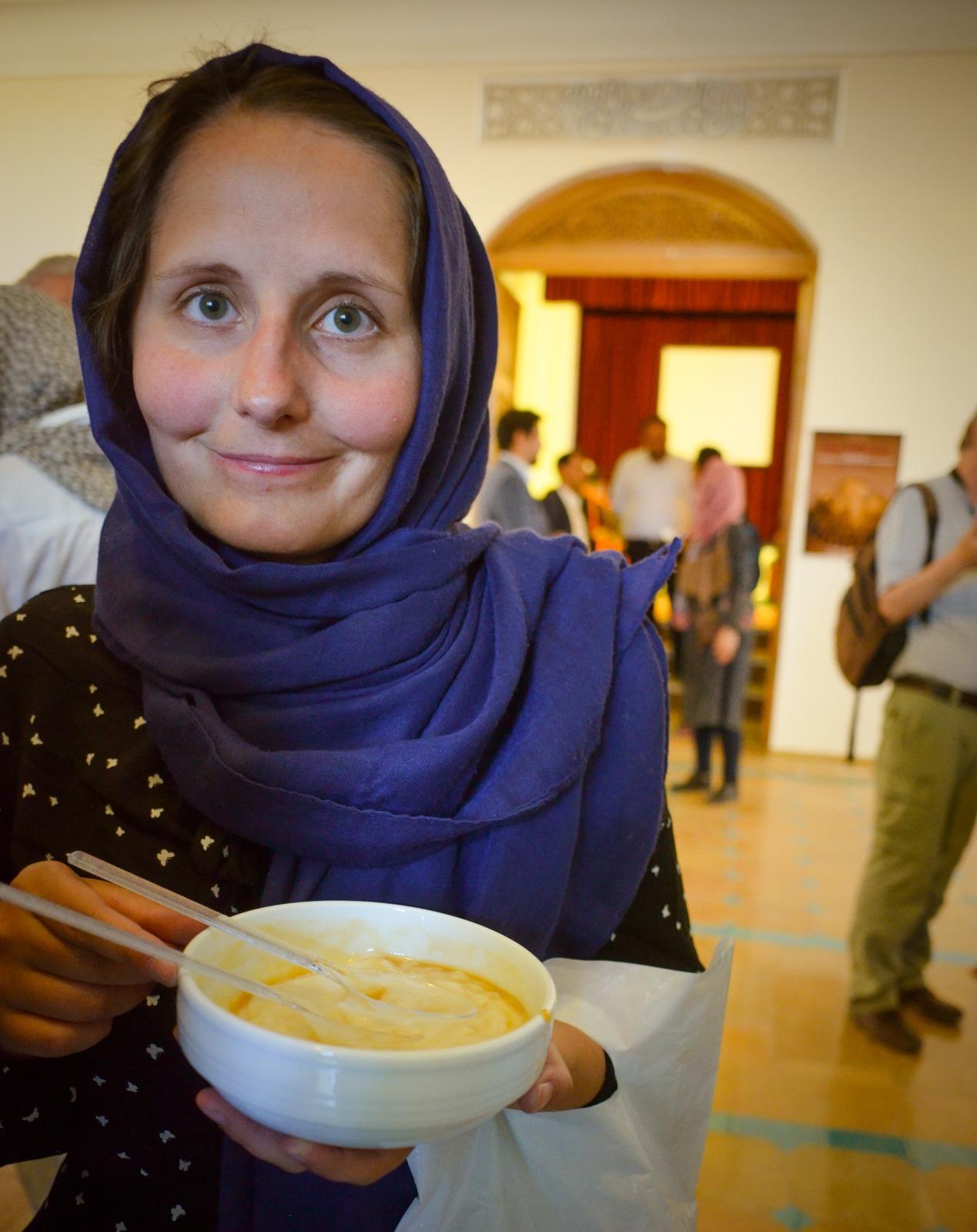 """iranische Süßspeise bei """"We Talk Art"""" in Isfahan"""