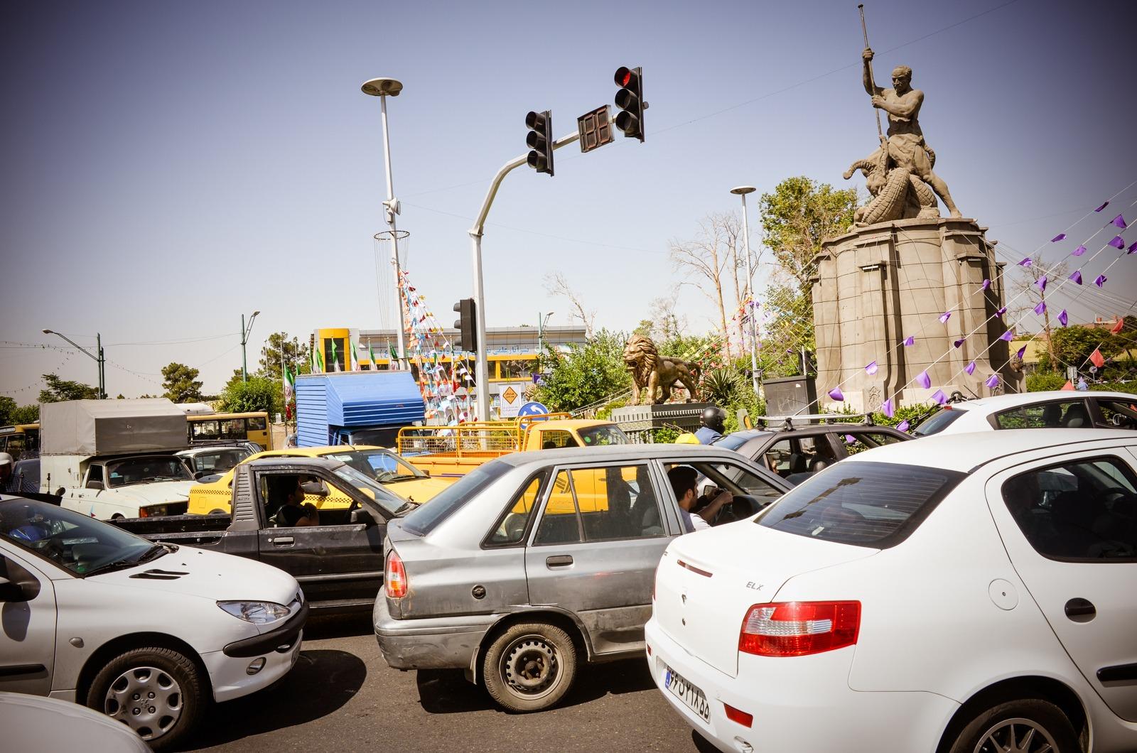 Dichter Verkehr in Teheran