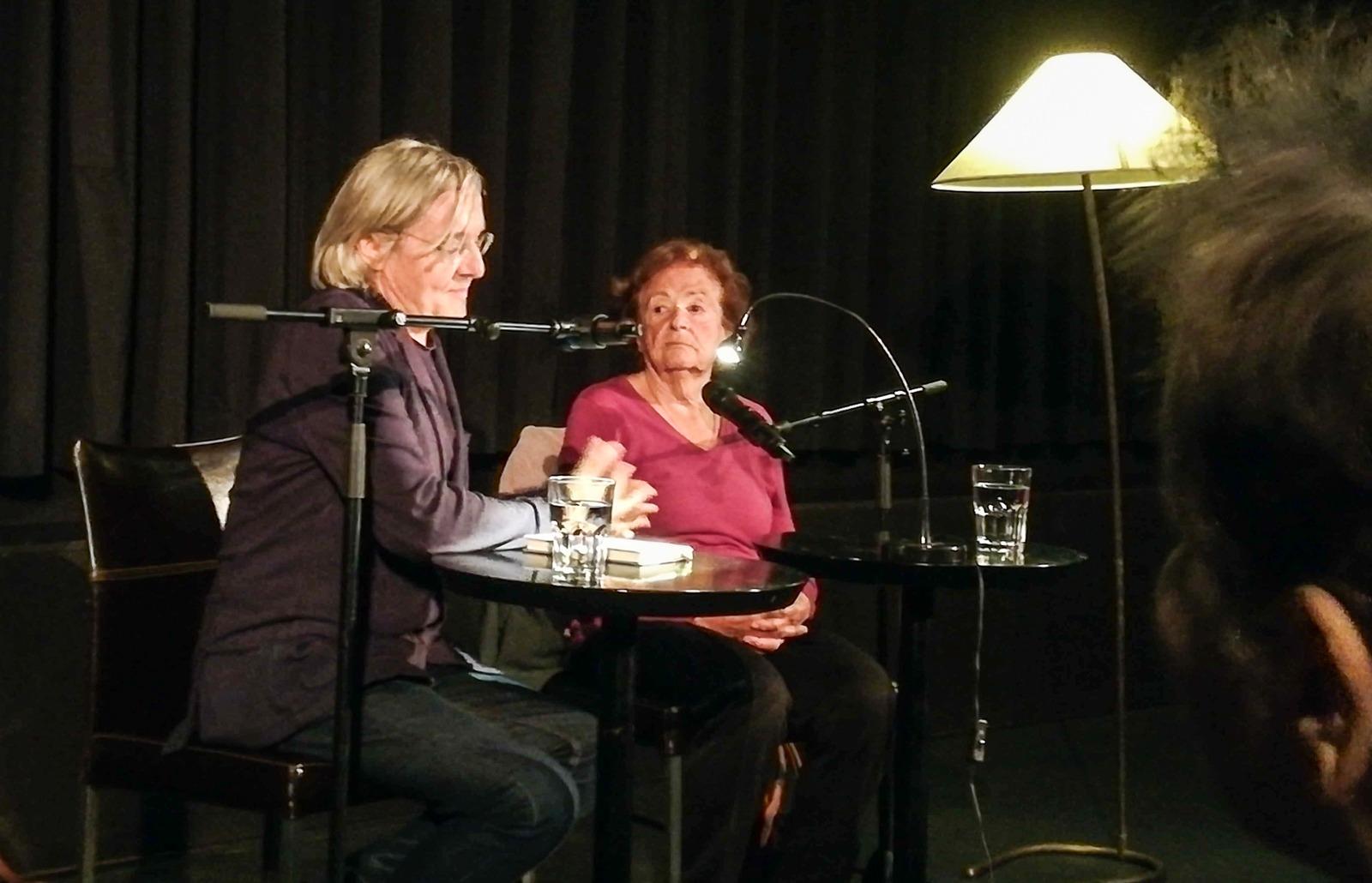 Autor Erich Hackl und Zeitzeugin Lucia Heilman