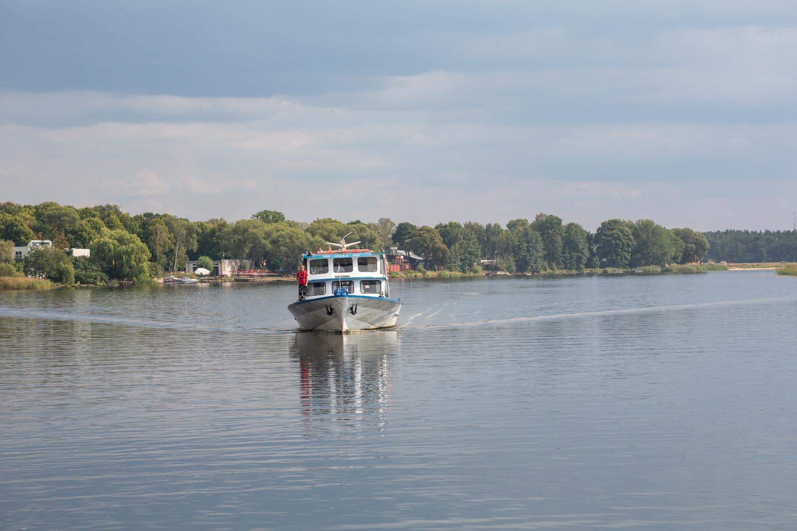 Mit dem Flussschiff New Way zurück von Majori nach Riga