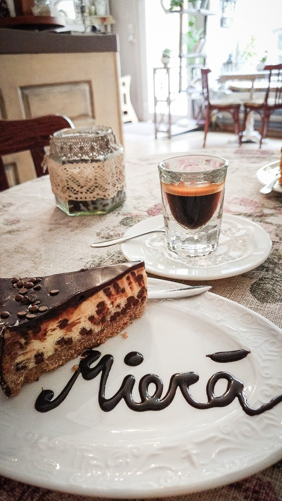 herrlicher Kuchen im Miera Cafe