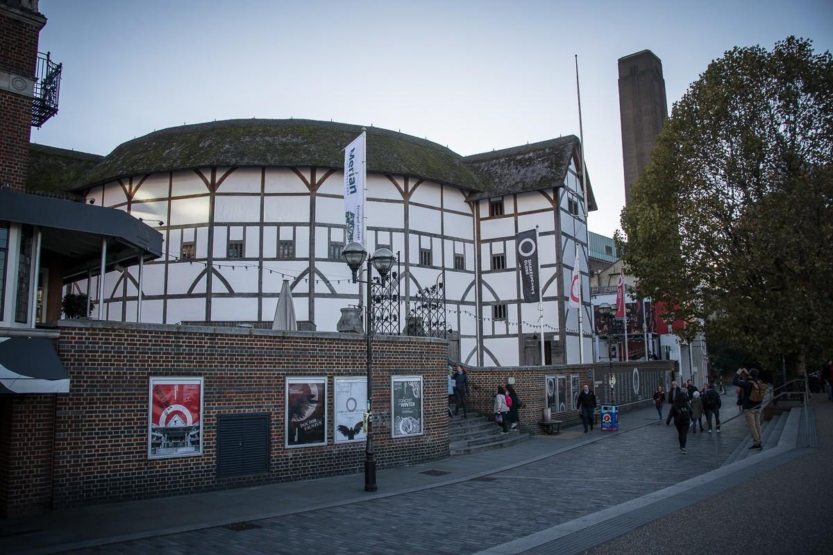 Shakespear - The Globe Theater in London von außen