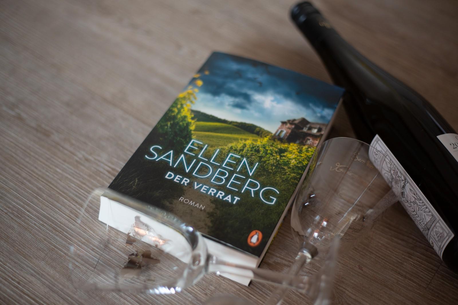 """""""Der Verrat"""" von Ellen Sandberg Familienepos auf einem Weingut an der Saar"""