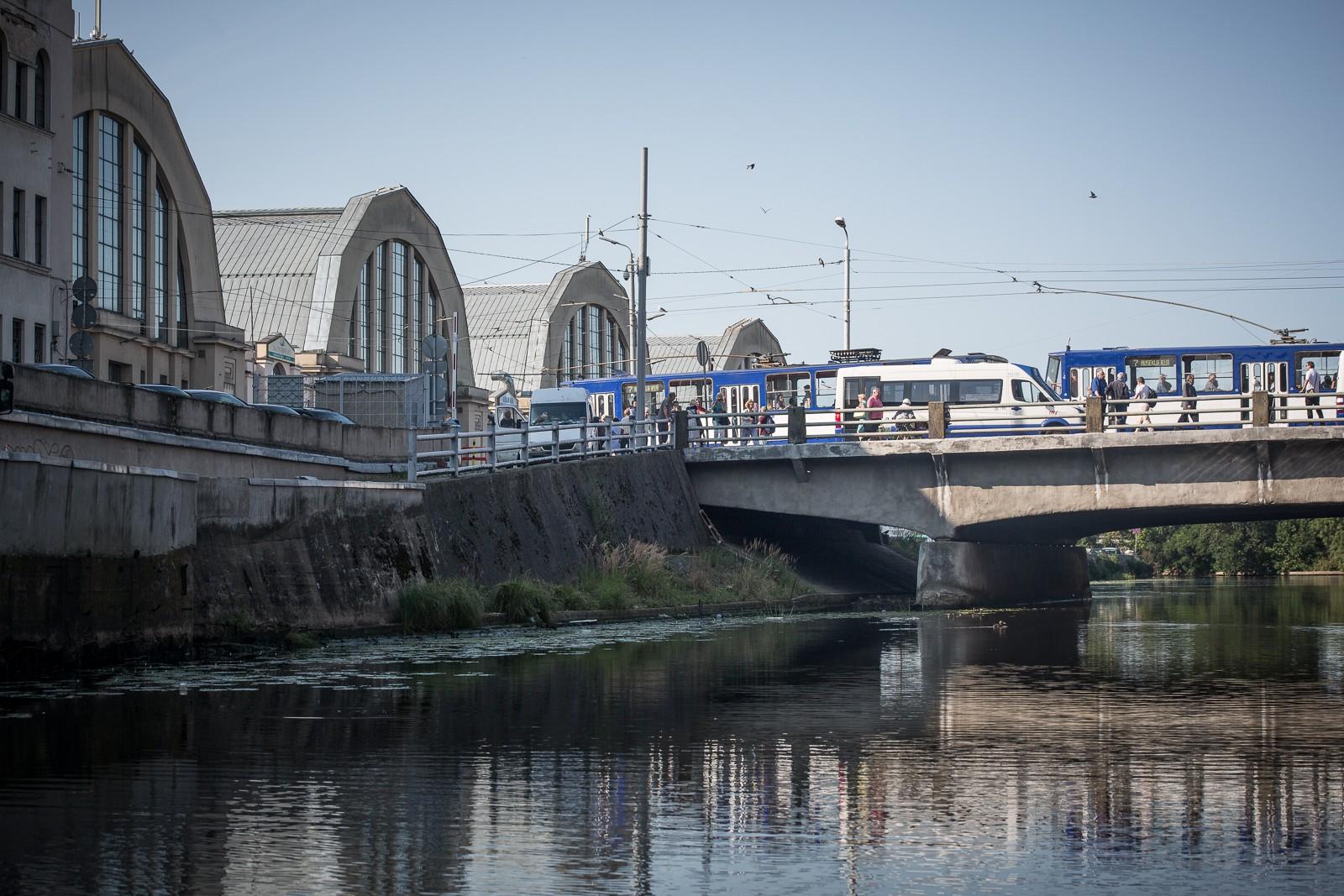 Riga by Canal der Markt