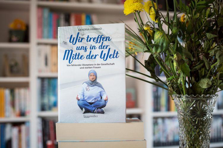 Wir treffen uns in der Mitte der Welt - Menerva Hammad