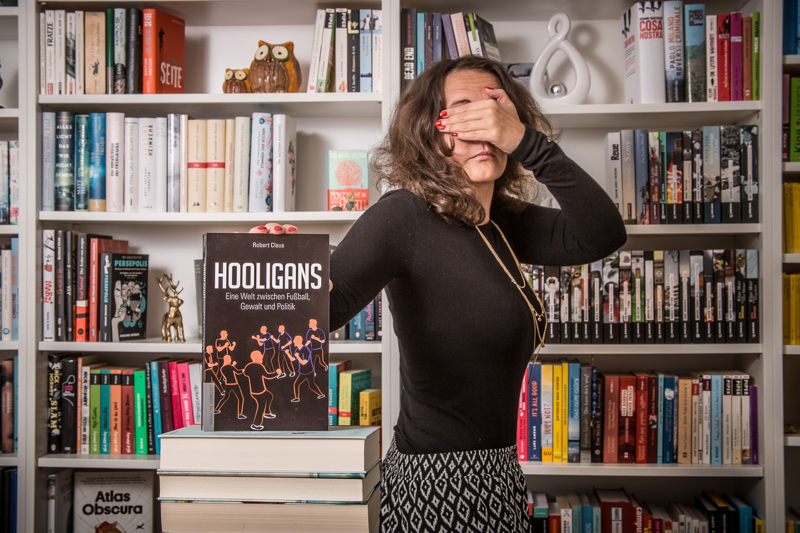 Hooligans - Robert Claus